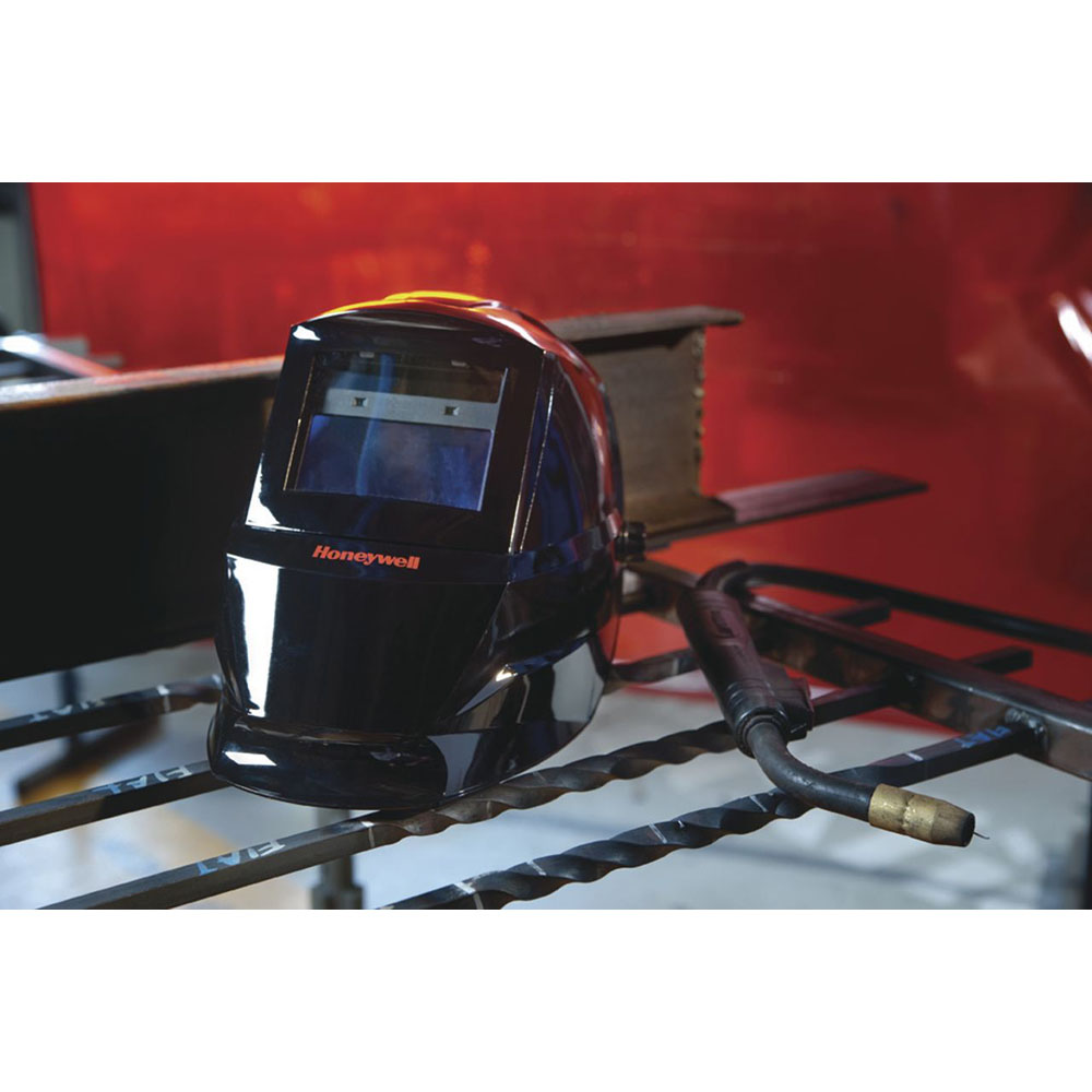 Honeywell Honeywell HW100 complete Welding Helmet with Shade 10 Auto Darkening Filter (ADF), Black - HW100