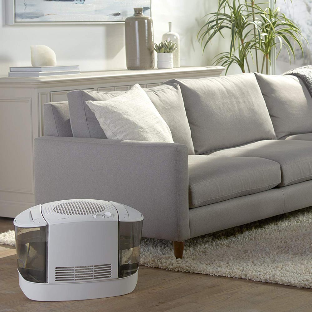 Honeywell Top Fill Cool Moisture Humidifier in White, HEV685W